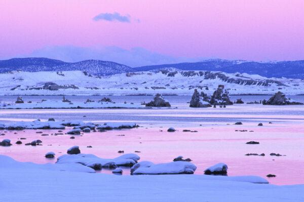Sunset Mono Lake Tufa State Natural Reserve California
